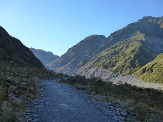 After a short bus trip from town, we hiked through the valley to the glacer.